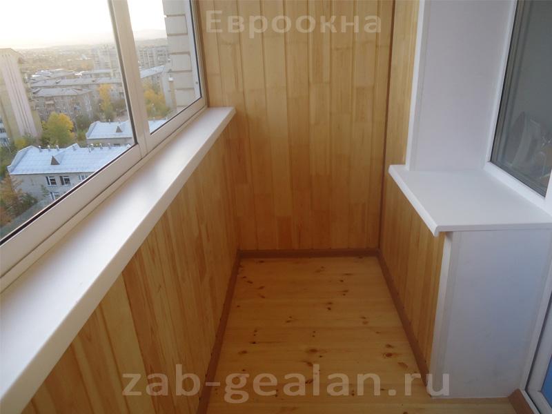 Отделка балкона с холодным остеклением..