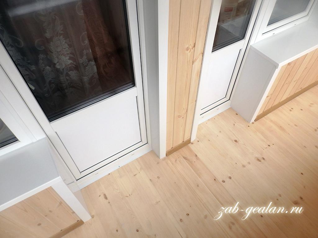 Остекление лоджии с внутренней отделкой - фото zab-gealan.